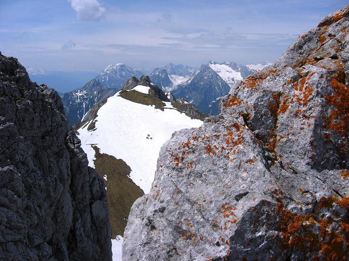 Foto: Andreas Koller / Klettersteig Tour / Karwendelspitze Klettersteig (2385m) / Blick zur Zugspitze (2963 m) / 27.05.2009 23:09:15