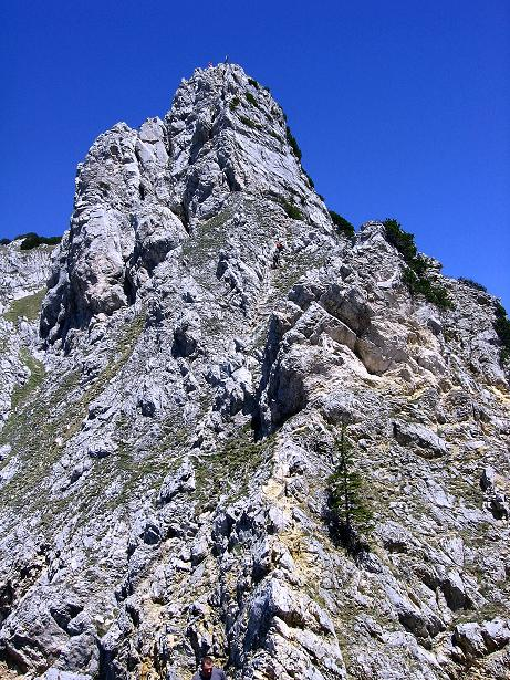 Foto: Andreas Koller / Klettersteig Tour / Friedberger Klettersteig und Steig auf die Rote Flüh (2111m) / Der SW-Grat des Schartenschrofen / 27.05.2009 01:06:38