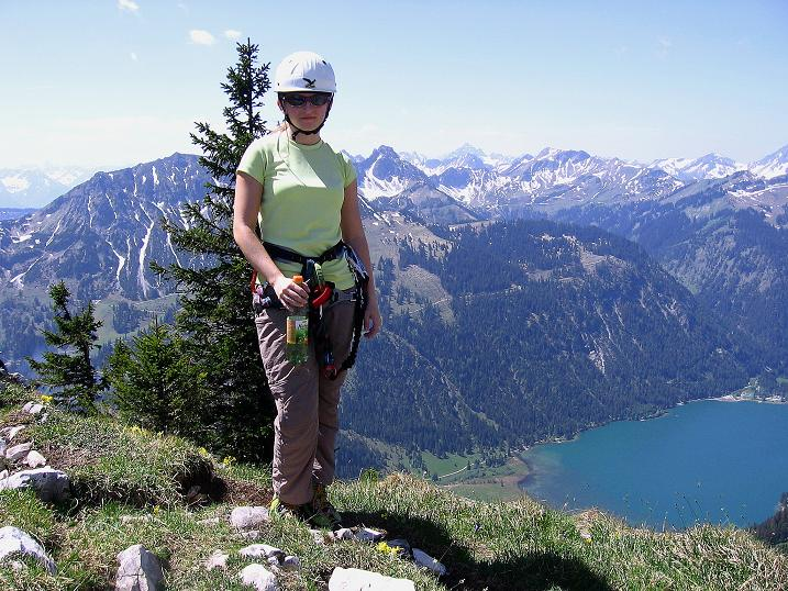 Foto: Andreas Koller / Klettersteig Tour / Friedberger Klettersteig und Steig auf die Rote Flüh (2111m) / In der Gelben Scharte hoch über dem Haldensee / 27.05.2009 01:06:17
