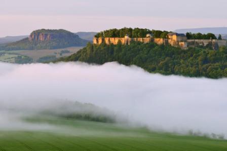 Foto: Saechsische-Schweiz / Wander Tour / 7. Etappe Malerweg / Festung Königstein / 27.05.2009 16:20:47