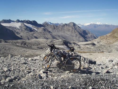 Foto: hofchri / Mountainbike Tour / Ortlerhaus (3028m) über Stilfser Joch (2758m) / 28.05.2009 22:00:47