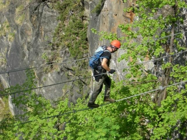 Foto: winsch / Klettersteig Tour / Fallbach Klettersteig / Seibrücke nach der Kanzel (Notausstieg) / 02.06.2009 14:29:12