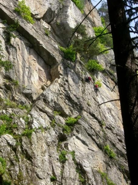 Foto: winsch / Klettersteig Tour / Luft unter den Sohlen / Einstiegswand / 02.06.2009 14:48:12