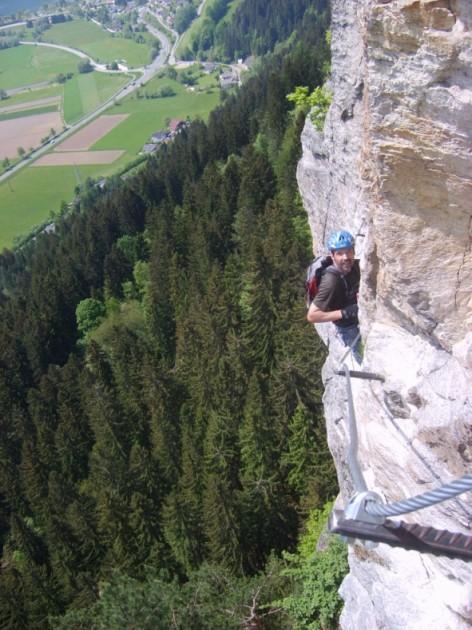 Foto: winsch / Klettersteig Tour / Luft unter den Sohlen / im letzten Drittel / 02.06.2009 14:48:20