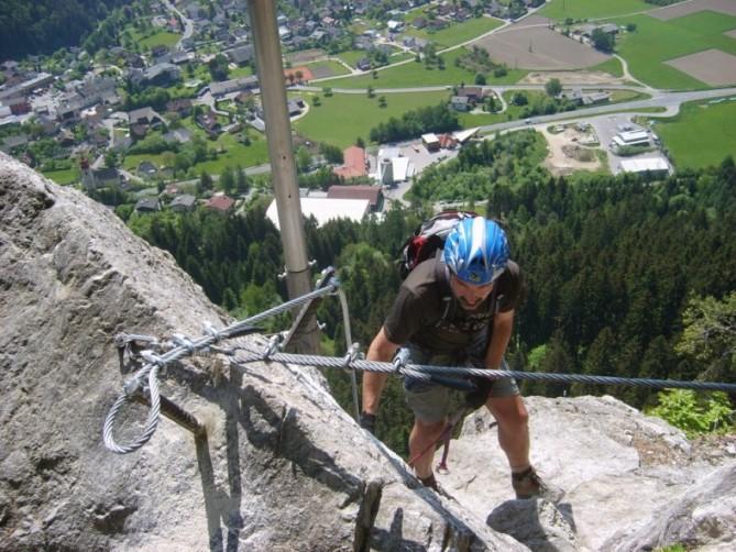 Foto: winsch / Klettersteig Tour / Luft unter den Sohlen / Ausstieg / 02.06.2009 14:48:27