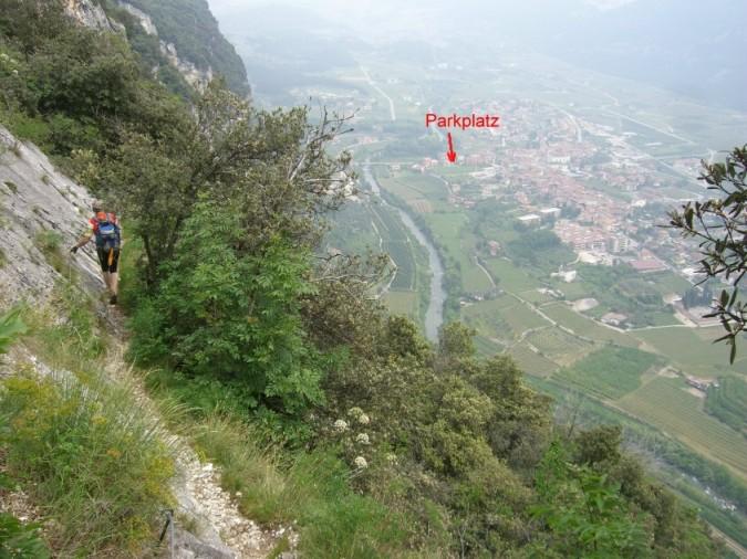 Foto: winsch / Klettersteig Tour / Sentiero Anglone und Scaloni (A/B) / Scalone Abstieg mit Blick nach Dro / 02.06.2009 15:16:46