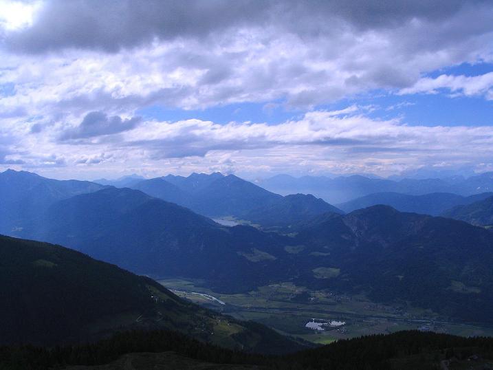 Foto: Andreas Koller / Wander Tour / Einsame Tour auf die Hochtristen (2536m) / Drautal und Weißensee / 03.06.2009 21:47:36