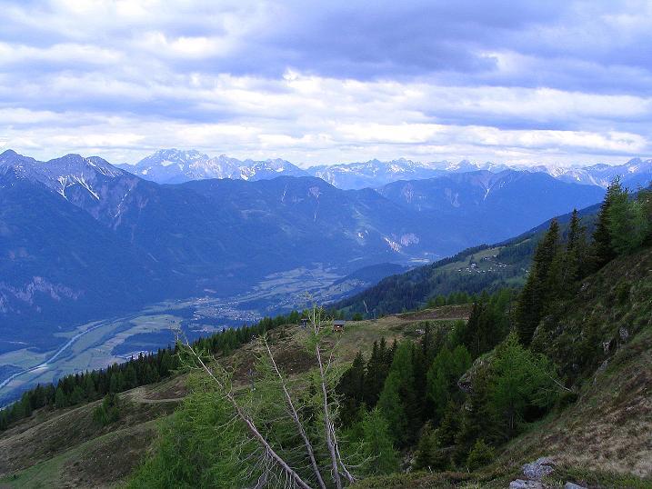 Foto: Andreas Koller / Wander Tour / Einsame Tour auf die Hochtristen (2536m) / Blick nach SW in zu den Lienzer Dolomiten / 03.06.2009 21:47:08
