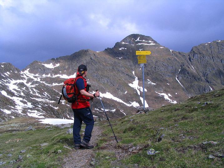 Foto: Andreas Koller / Wander Tour / Einsame Tour auf die Hochtristen (2536m) / Am Nassfeldtörl öffnet sich der Blick auf die Hochtriste / 03.06.2009 21:43:43