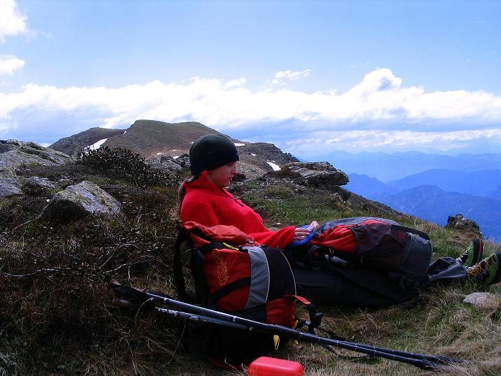 Foto: Andreas Koller / Wander Tour / Einsame Tour auf die Hochtristen (2536m) / Rast kurz nach dem Nassfeldtörl / 03.06.2009 21:42:24
