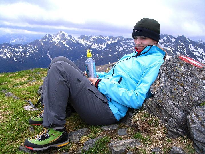 Foto: Andreas Koller / Wander Tour / Einsame Tour auf die Hochtristen (2536m) / Verdiente Gipfelrast / 03.06.2009 21:36:33