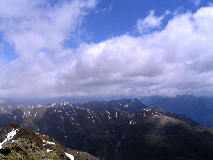 Foto: Andreas Koller / Wander Tour / Einsame Tour auf die Hochtristen (2536m) / Blick nach O / 03.06.2009 21:35:59