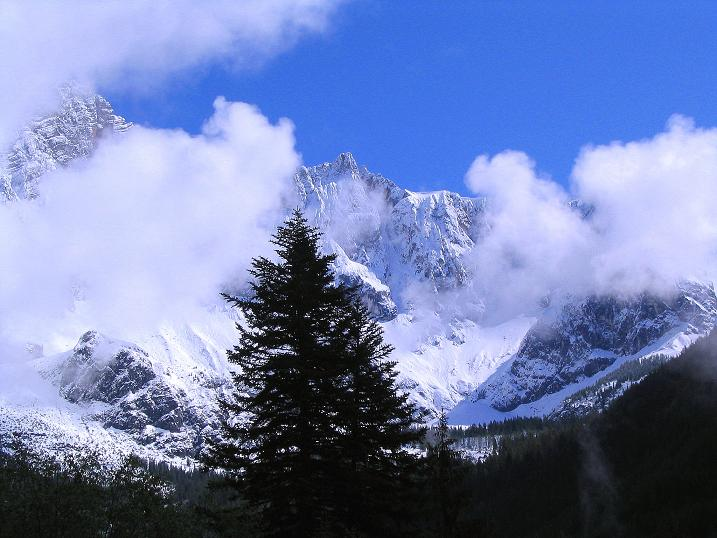 Foto: Andreas Koller / Klettersteig Tour / Klettersteig Siega (1510m) / Dachstein-Südseite Anfang Juni / 04.06.2009 21:55:14
