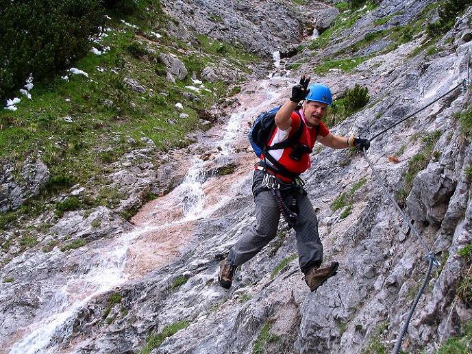 Foto: Andreas Koller / Klettersteig Tour / Klettersteig Siega (1510m) / Die letzte versicherte Passage kurz vor dem Ausstieg (A/B) / 04.06.2009 21:45:42