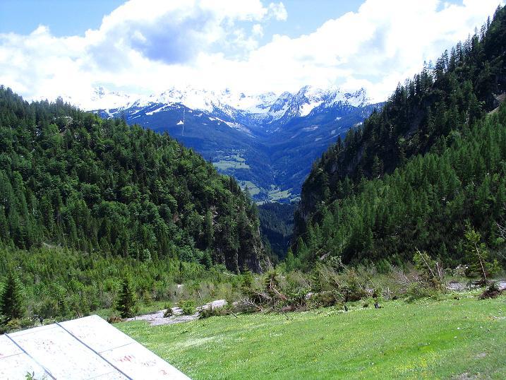 Foto: Andreas Koller / Klettersteig Tour / Klettersteig Siega (1510m) / Im S die Schladminger Tauern / 04.06.2009 21:43:42