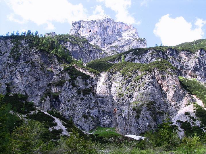 Foto: Andreas Koller / Klettersteig Tour / Klettersteig Siega (1510m) / Rückblick zur Karwand und zur Wasenspitze (2257 m) / 04.06.2009 21:42:00