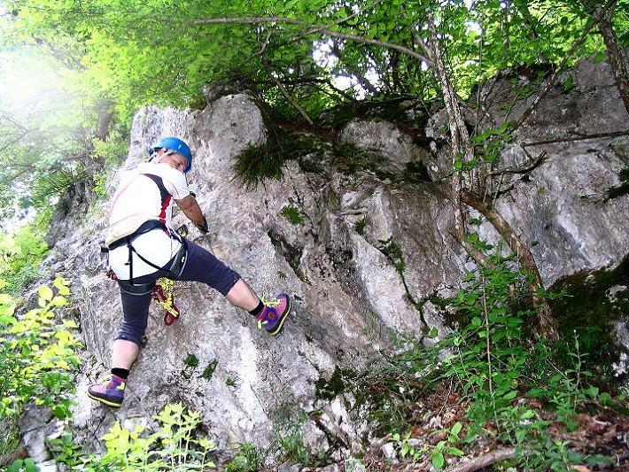 Foto: Andreas Koller / Klettersteig Tour / Klettersteig E 60 (758m) / Einstieg zur querenden Rampe / 08.06.2009 23:58:51