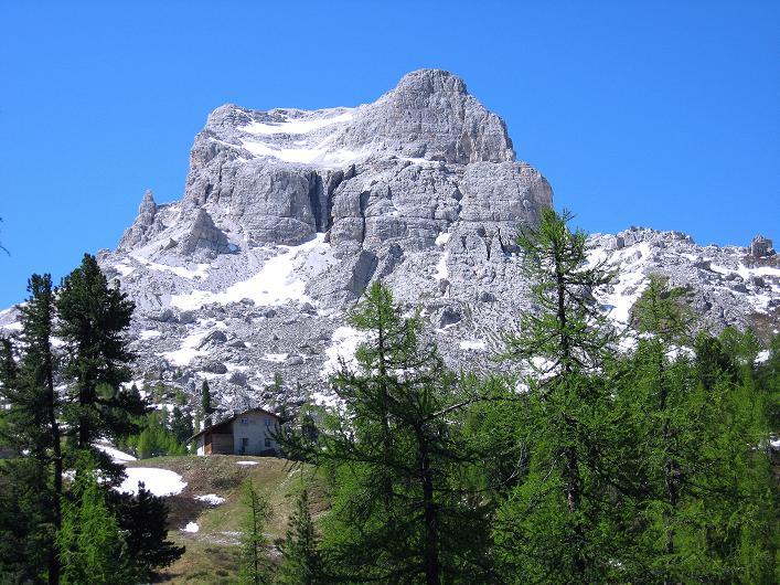 Foto: Andreas Koller / Klettersteig Tour / Via ferrata Averau neu (2649m) / Averau von O / 16.06.2009 00:00:14