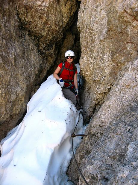 Foto: Andreas Koller / Klettersteig Tour / Via ferrata Averau neu (2649m) / Ausstieg aus dem Kaminschacht / 15.06.2009 23:47:50
