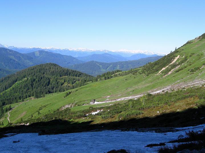 Foto: Andreas Koller / Wander Tour / Normalroute auf die Große Bischofsmütze (2459 m)  / Blick in die Hohen Tauern / 16.06.2009 23:36:48