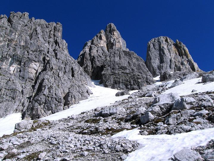 Foto: Andreas Koller / Wander Tour / Normalroute auf die Große Bischofsmütze (2459 m)  / Dolomitenartige Landschaft zur Großen Bischofsmütze / 16.06.2009 23:35:27