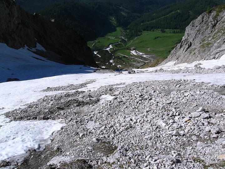 Foto: Andreas Koller / Wander Tour / Normalroute auf die Große Bischofsmütze (2459 m)  / Die steilen Hänge zum Anseilplatz / 16.06.2009 23:34:56