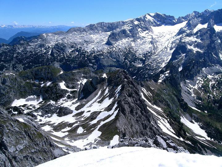 Foto: Andreas Koller / Wander Tour / Normalroute auf die Große Bischofsmütze (2459 m)  / Im O das Tote Gebirge / 16.06.2009 23:24:25