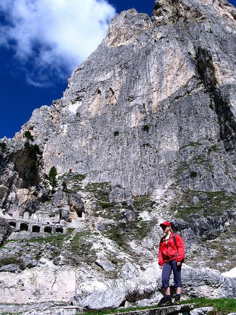 Foto: Andreas Koller / Klettersteig Tour / Via ferrata Col dei Bos / Via ferrata della Piramide (2559m) / Unter den Falzaregotürmen / 19.06.2009 23:40:48