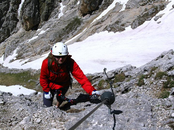 Foto: Andreas Koller / Klettersteig Tour / Via ferrata Col dei Bos / Via ferrata della Piramide (2559m) / Ausstieg am Vorgipfel des Col dei Bos (2516 m) / 19.06.2009 23:28:13