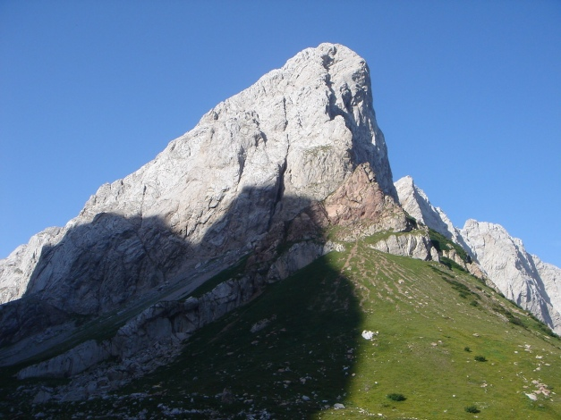 Foto: Manfred Karl / Klettersteig Tour / Hohe Warte – Weg der 26er - Überschreitung aus dem Wolayer Tal  / Der Wolayer Seekopf bietet einige schöne Kletterrouten / 17.07.2009 17:30:53