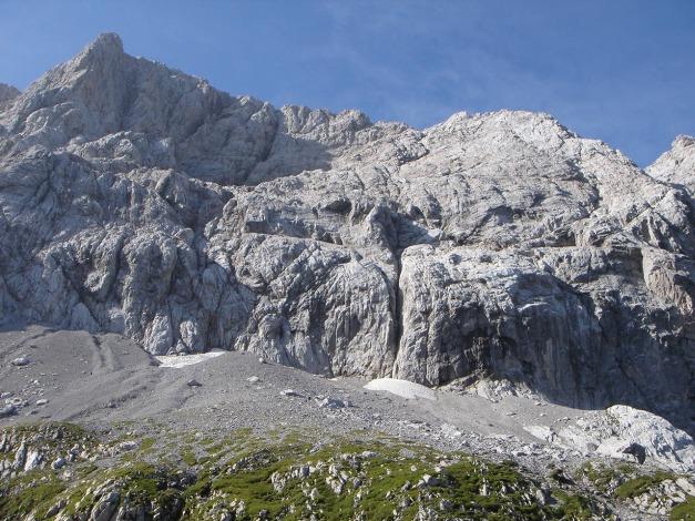 Foto: Manfred Karl / Klettersteig Tour / Hohe Warte – Weg der 26er - Überschreitung aus dem Wolayer Tal  / Nordwand der Hohen Warte / 17.07.2009 17:31:39