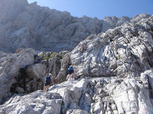Foto: Manfred Karl / Klettersteig Tour / Hohe Warte – Weg der 26er - Überschreitung aus dem Wolayer Tal  / Flacherer Mittelteil / 17.07.2009 17:32:40