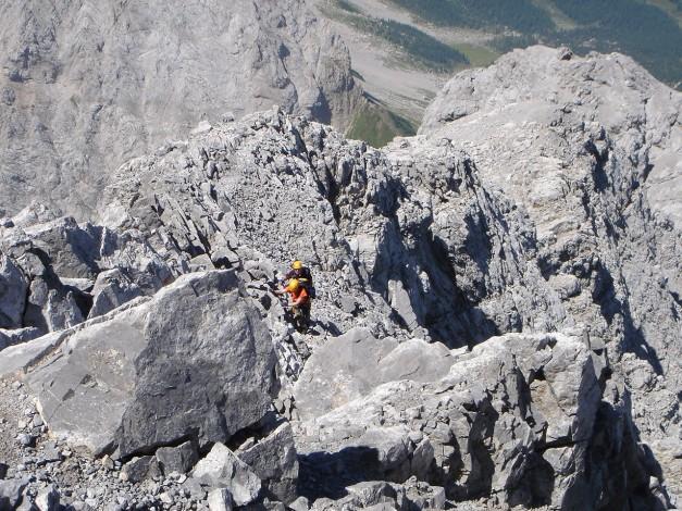 Foto: Manfred Karl / Klettersteig Tour / Hohe Warte – Weg der 26er - Überschreitung aus dem Wolayer Tal  / Die letzten Meter des Klettersteiges / 17.07.2009 17:34:43
