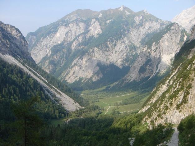 Foto: Manfred Karl / Klettersteig Tour / Hohe Warte – Weg der 26er - Überschreitung aus dem Wolayer Tal  / Der Weg dauert immer noch ein gutes Stück / 17.07.2009 17:40:28