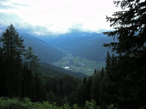 Foto: Samson / Wander Tour / Aineck 2.210 m / Blick vom Aineck ins abendliche Zederhaustal / 06.07.2009 09:32:54