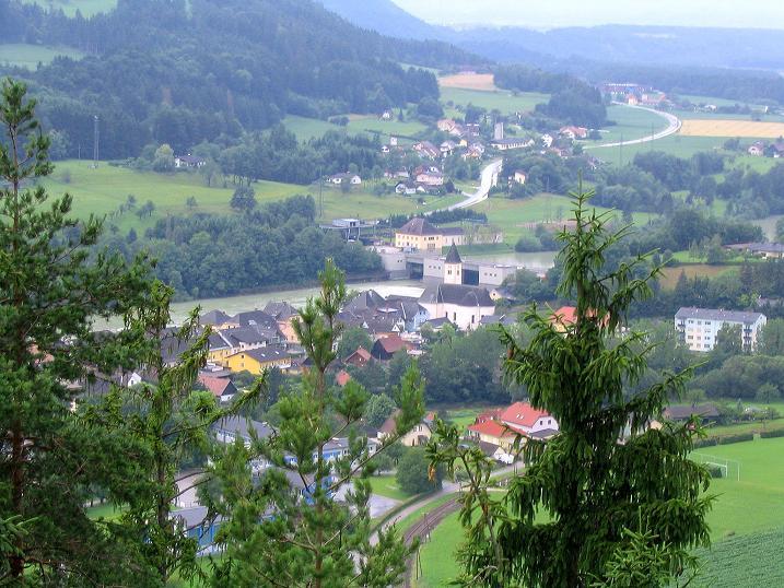 Foto: Andreas Koller / Klettersteig Tour / Klettersteig Dreifaltigkeit (467m) / Blick auf Lavamünd / 01.07.2009 01:29:47