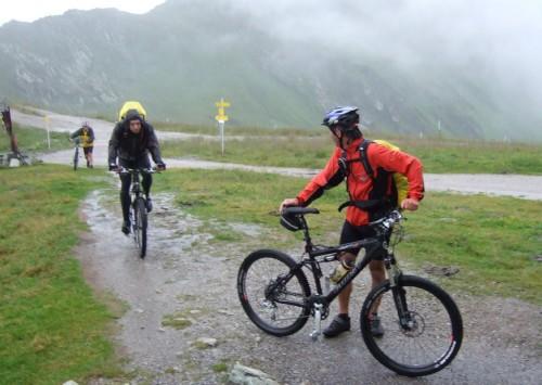 Foto: hofsab / Mountainbike Tour / Rund um den Olperer über Tuxer Joch (2338 m) - 3 Tagestour / 1. Tag: Regenpartie mit Gewitter bis zum Tuxer Jochhaus / 26.08.2009 20:04:46
