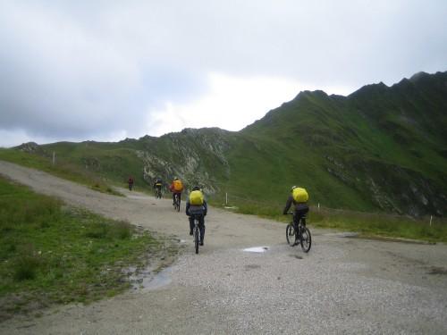 Foto: hofsab / Mountainbike Tour / Rund um den Olperer über Tuxer Joch (2338 m) - 3 Tagestour / nur wenige Meter vom Jochhaus / 26.08.2009 20:06:12