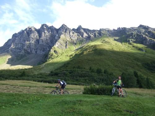 Foto: hofsab / Mountainbike Tour / Rund um den Olperer über Tuxer Joch (2338 m) - 3 Tagestour / nächster Anstieg zur Enzianhütte (1894 m) / 26.08.2009 20:27:17