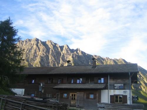 Foto: hofsab / Mountainbike Tour / Rund um den Olperer über Tuxer Joch (2338 m) - 3 Tagestour / 3. Tag - Aufbruch von der Enzianhütte / 26.08.2009 20:28:02