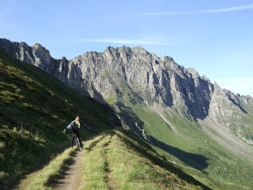 Foto: hofsab / Mountainbike Tour / Rund um den Olperer über Tuxer Joch (2338 m) - 3 Tagestour / wieder eine geniale Passhöhe / 26.08.2009 20:29:33