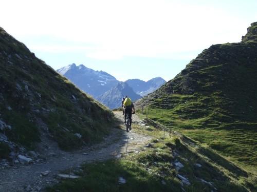 Foto: hofsab / Mountainbike Tour / Rund um den Olperer über Tuxer Joch (2338 m) - 3 Tagestour / der Alpencross-Übergang / 26.08.2009 20:30:27