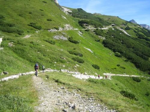 Foto: hofsab / Mountainbike Tour / Rund um den Olperer über Tuxer Joch (2338 m) - 3 Tagestour / weiter gehts bergab / 26.08.2009 20:34:09