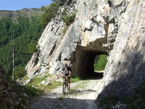 Foto: hofsab / Mountainbike Tour / Rund um den Olperer über Tuxer Joch (2338 m) - 3 Tagestour / 26.08.2009 20:36:11