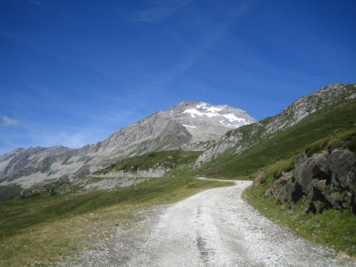Foto: hofsab / Mountainbike Tour / Rund um den Olperer über Tuxer Joch (2338 m) - 3 Tagestour / der Olperer vor uns / 26.08.2009 20:37:20