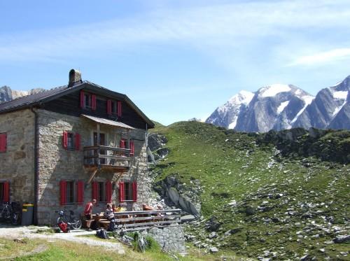 Foto: hofsab / Mountainbike Tour / Rund um den Olperer über Tuxer Joch (2338 m) - 3 Tagestour / am Pfitscher Jochhaus / 26.08.2009 20:38:36