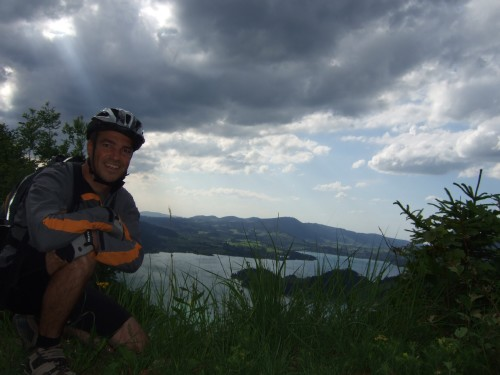 Foto: hofsab / Mountainbike Tour / Eisenaueralm (1015 m) mit Schwarzensee / Gewitterwolken am Horizont / 13.08.2009 20:43:26