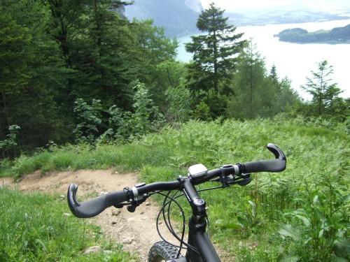 Foto: hofsab / Mountainbike Tour / Eisenaueralm (1015 m) mit Schwarzensee / schwieriger und feuchter Singeltrail (Variante) nach Scharfling / 13.08.2009 20:44:06