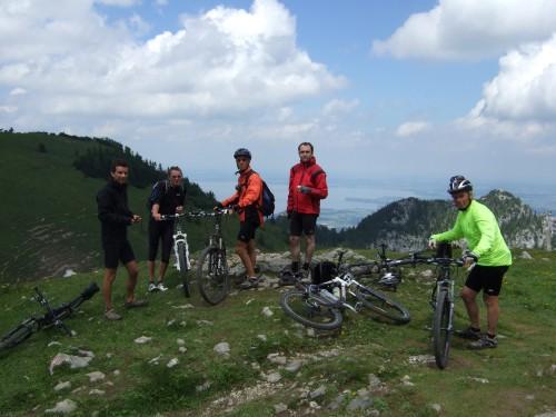 Foto: hofsab / Mountainbike Tour / Rund um und auf die Kampenwand (1664 m) / kurze Rast / 13.08.2009 20:58:47