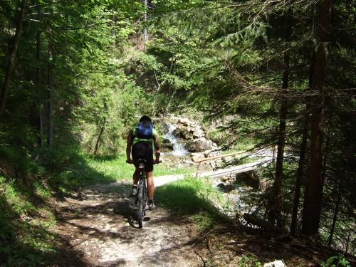 Foto: hofsab / Mountainbike Tour / Raschbergrunde (1390 m) über Blaa-Alm und Ewige Wand / bei der Auffahrt von Bad Goisern / 13.08.2009 20:11:51